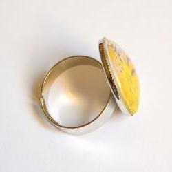 Yellow flowers adjustable ring with..
